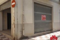 Local comercial en venta y alquiler en esquina C/Menorca con C/Paseo de Colón, Granada  3